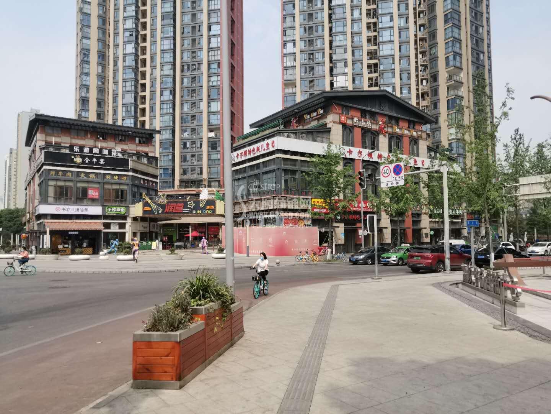 东二环SM广场附近独栋二楼赠大平台